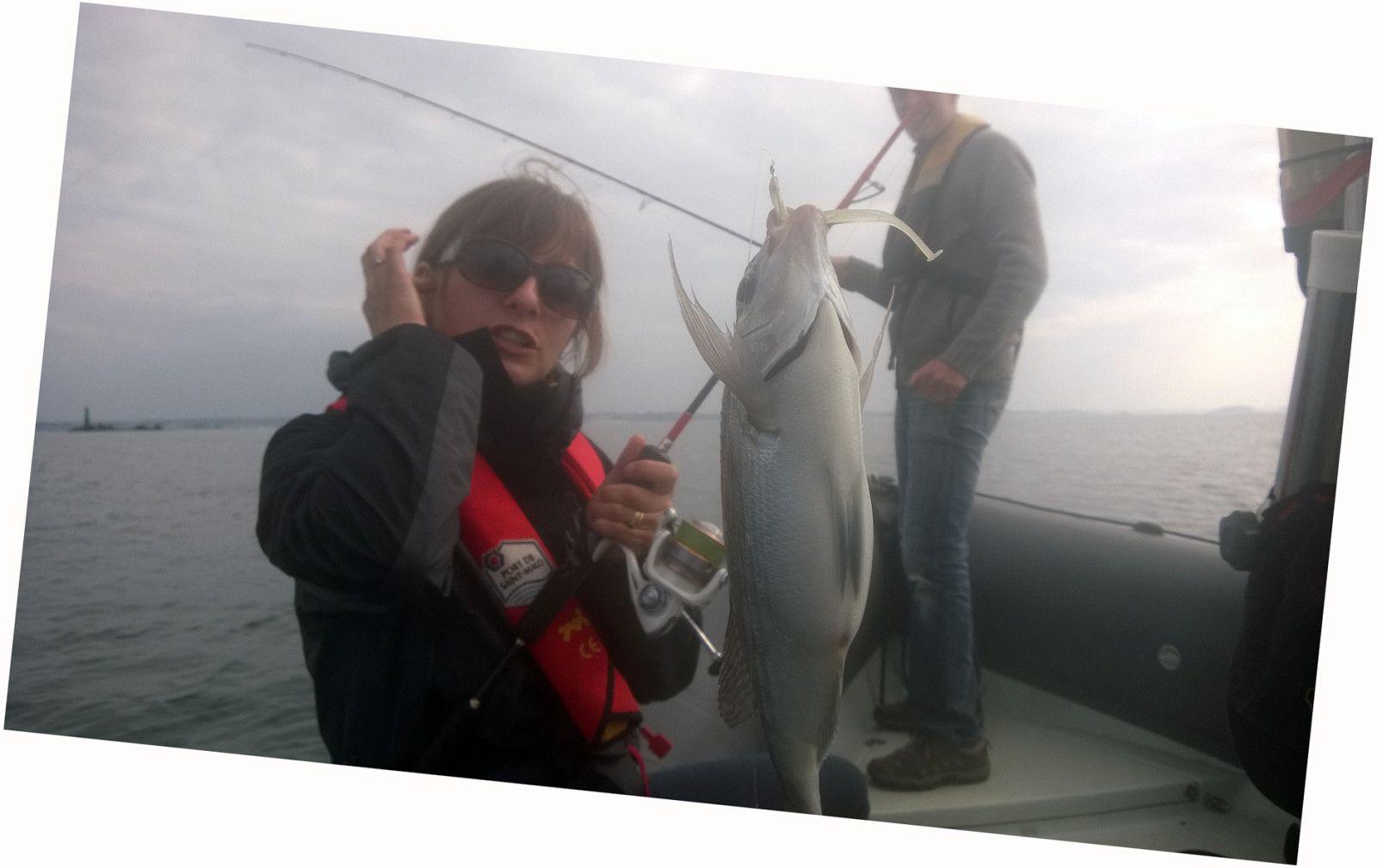 Bretagne pêche aux leurres initiations perfectionnement tous public. préparez vos vacances pêche en mer entre amis, en famille, infos réservation : http://www.guidepechesaintmalo.com