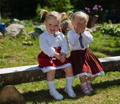 petites-filles-sub_wm.jpg