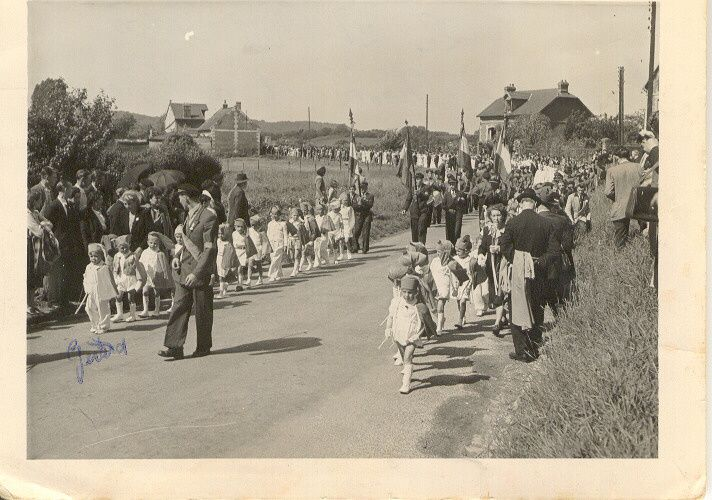 Album - le village de Thourotte (Oise), 1950 le bouquet provincial