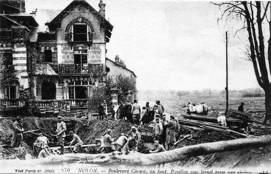 Album - la ville de Noyon (Oise), les destructions des Guerres,  diffèrentes photos