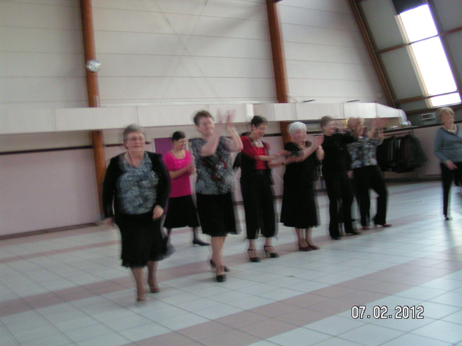 Album - Chantereine, l'Amicale des retraités de Chantereine, la galette des Rois le 7 février 2012.