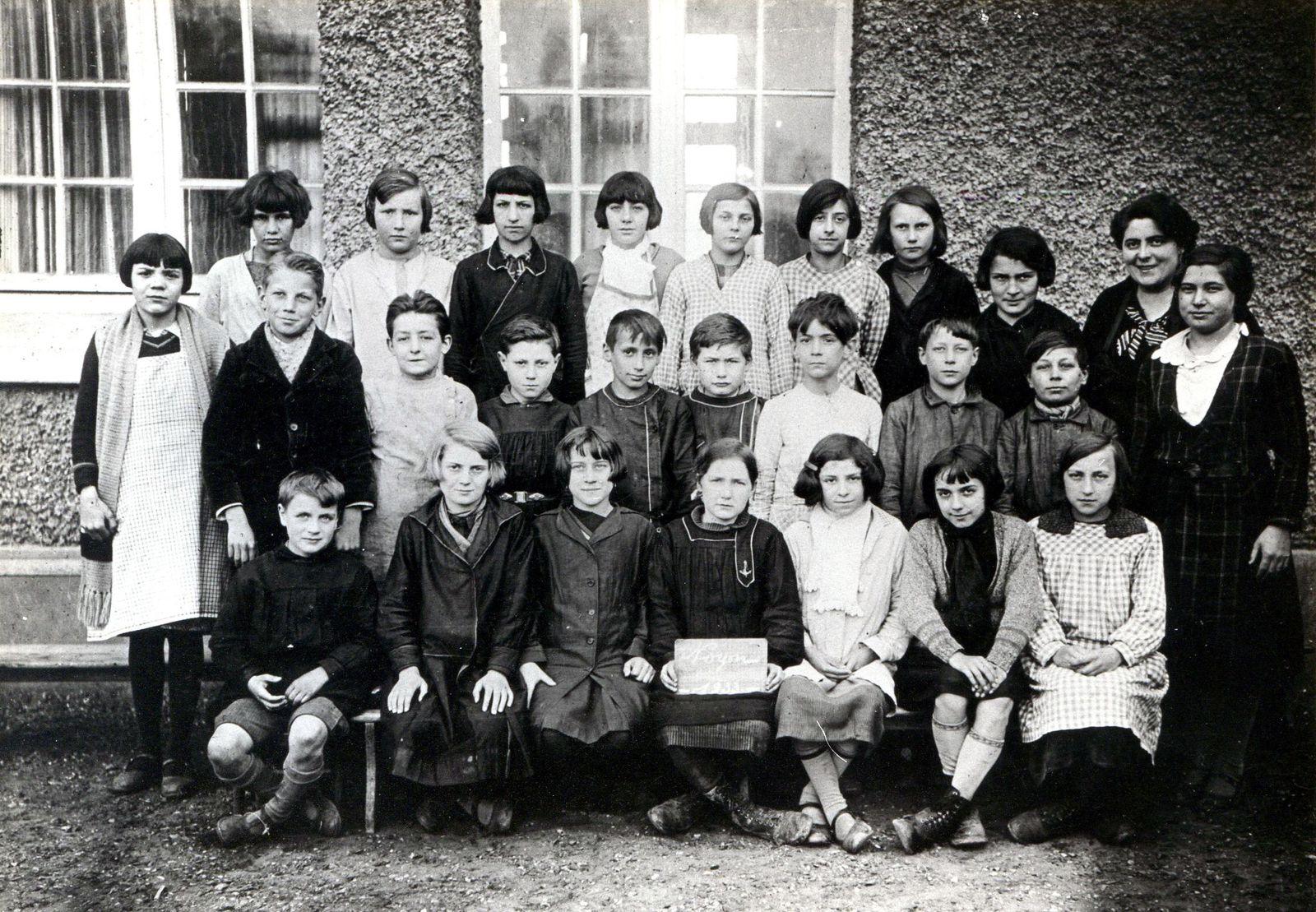 Album - le Hameau de Tarlefesse, son école