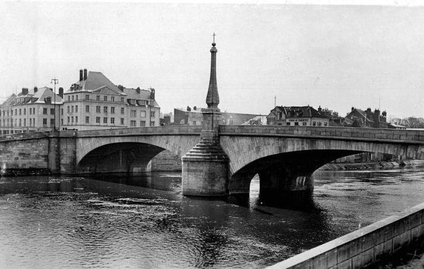 Album - la ville de Compiegne, (Oise), le pont