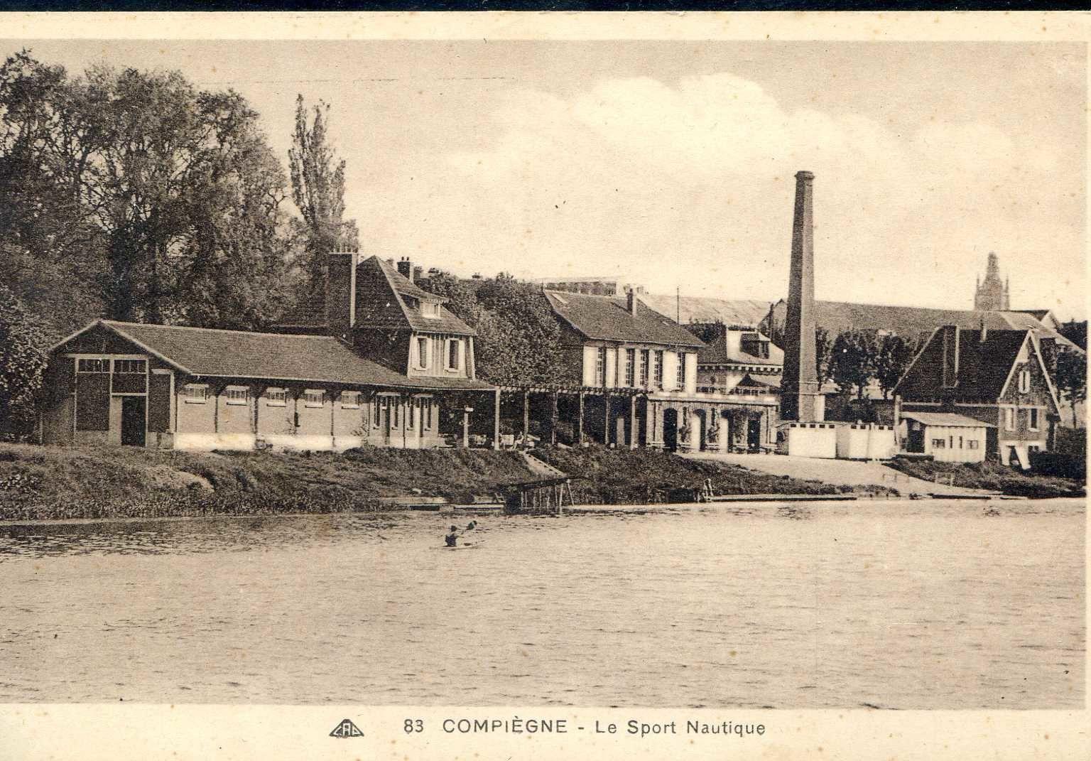 Album - la ville de Compiegne (Oise), les activités sportives, la piscine, le sport nautique