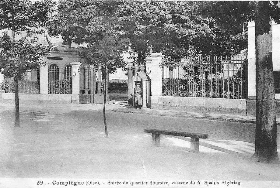 Album - la ville de Compiègne (Oise) , les casernes de Jeanne d'Arc et de Bourcier