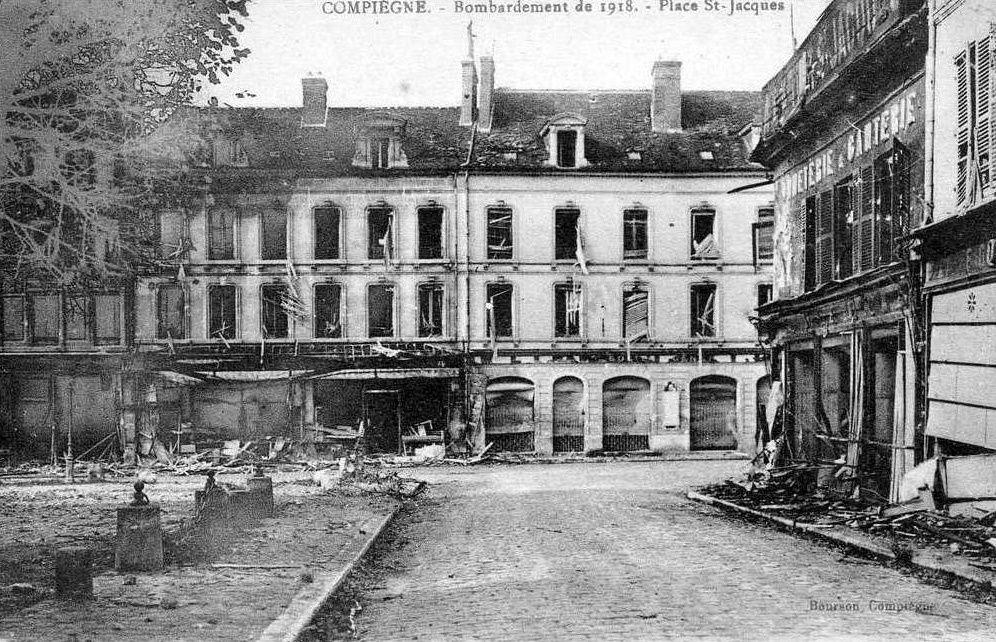 Album - la ville de Compiegne (Oise), les destuctions des Guerres, les places