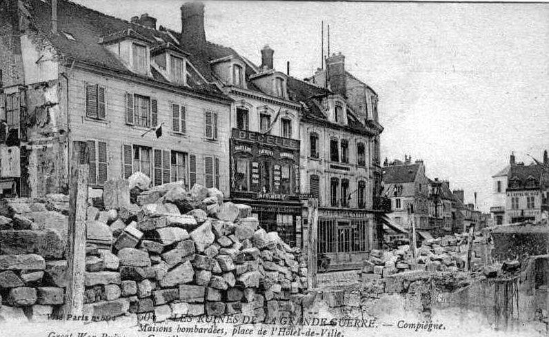 Album - la ville de Compiègne (Oise), les destructions des guerres, les places