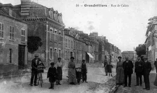 Album - la ville de Grandvilliers (Oise), les places et les rues
