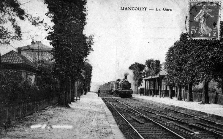 Album - la ville de Liancourt (Oise), l'église, la gare et les places