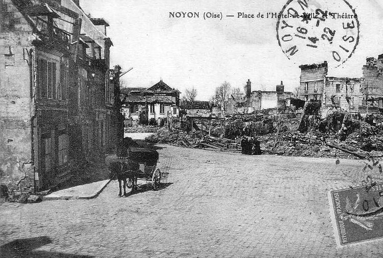 Album - la ville de Noyon (Oise), la guerre, la gare, la cathédrale, la fontaine, hôtel de ville