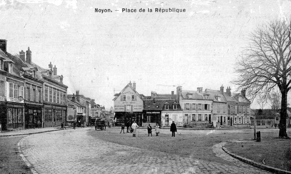 Album - la ville de Noyon (Oise), les places de la République