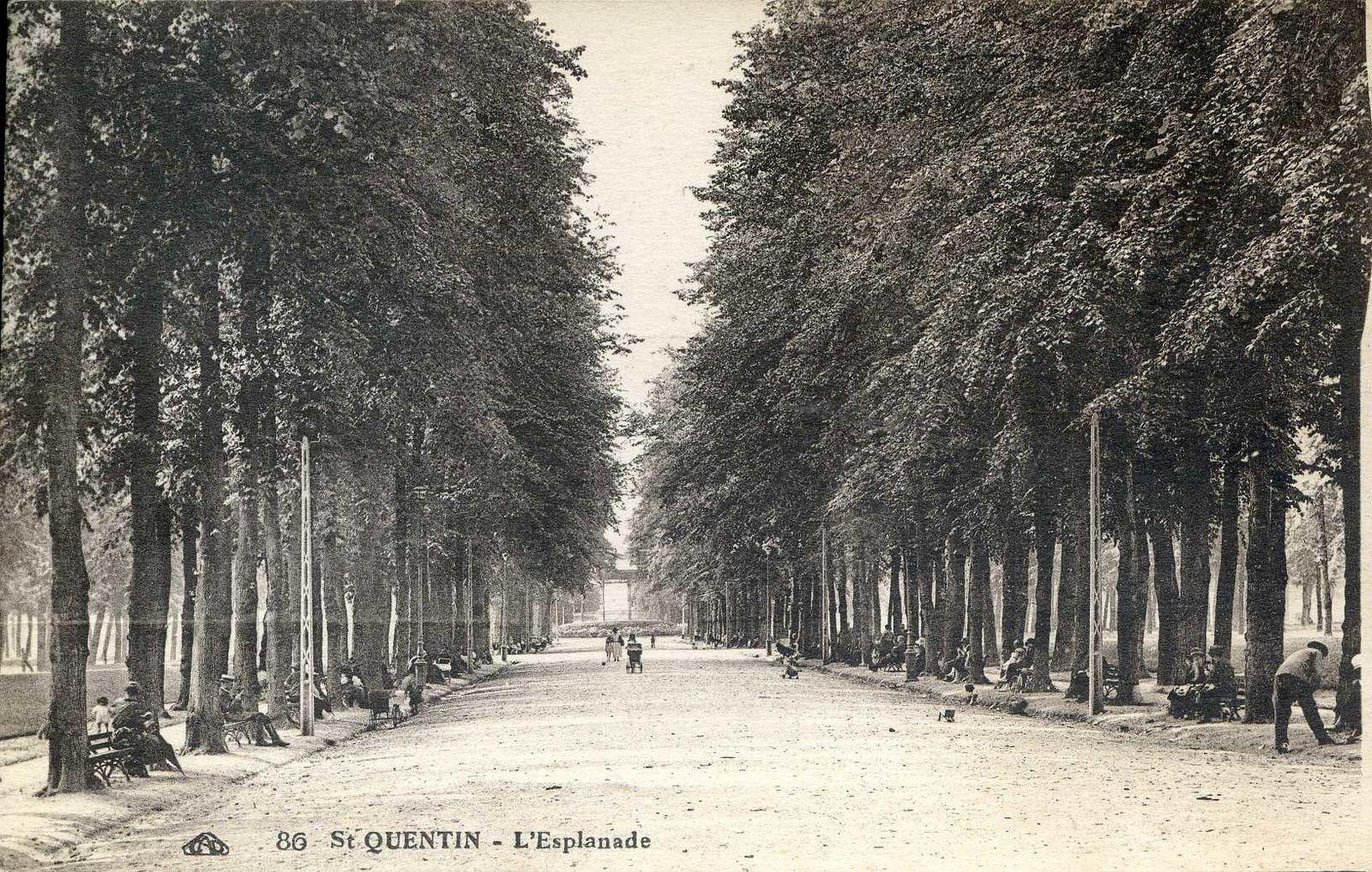Album - la ville de Saint-Quentin (Aisne), les places