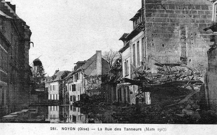 Album - la ville de Noyon (Oise), les destructions des Guerres, les rues