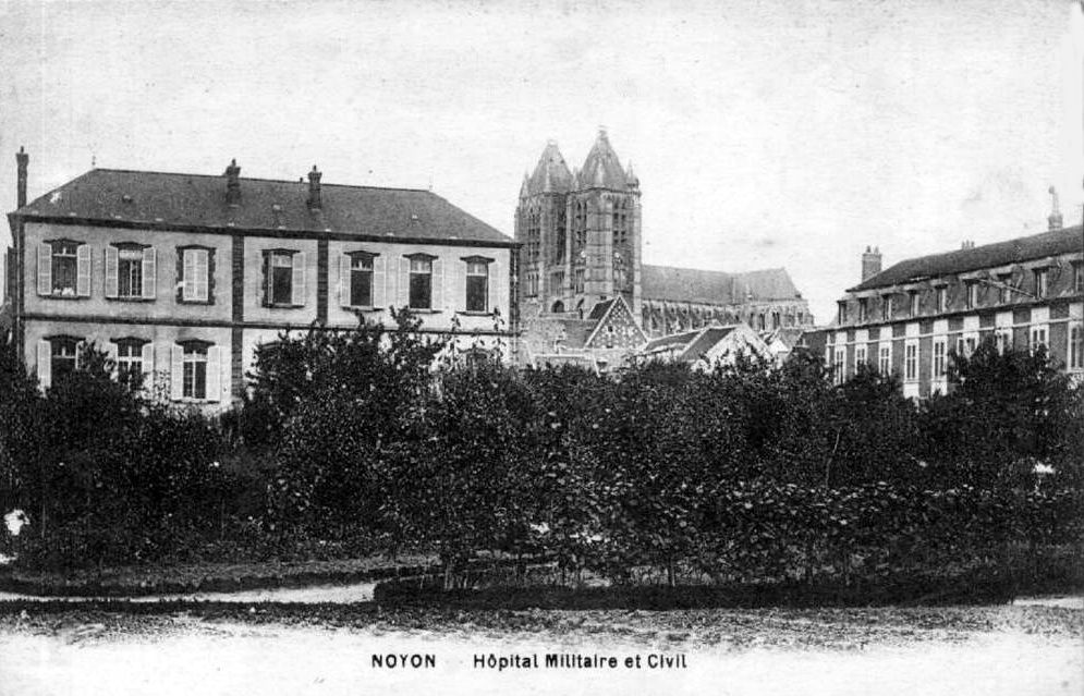 Album - la ville de Noyon (oise), l'hôpital, hospice et chapelle.