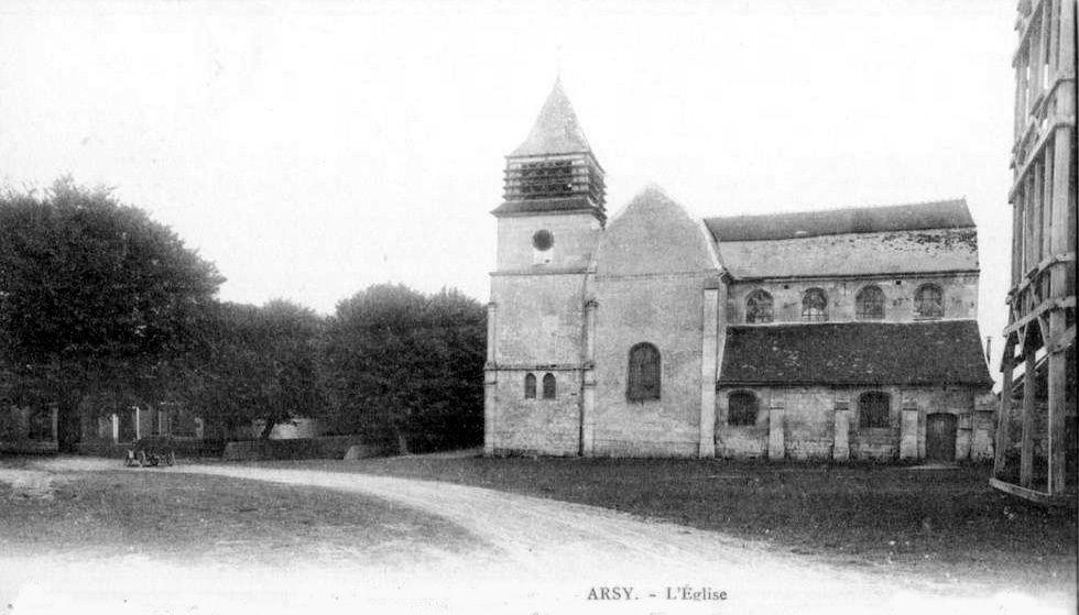 Album - le village d'Attichy (Oise), l'église, la gare