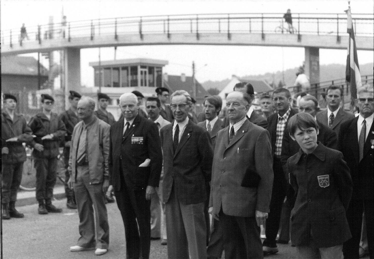Album - le village de Longueil-Annel (Oise), inauguration de l'avenue du général De Gaulle