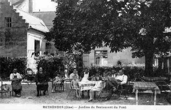 Album - le village de Rethondes (Oise), l'église et les commerces