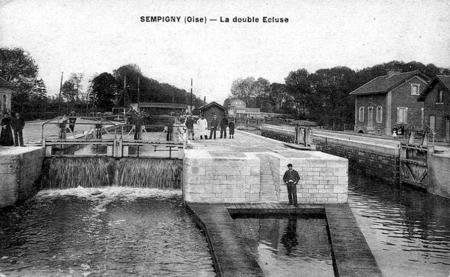 Album - le village de Sempigny (Oise), le canal, le port, les écluses, le pont