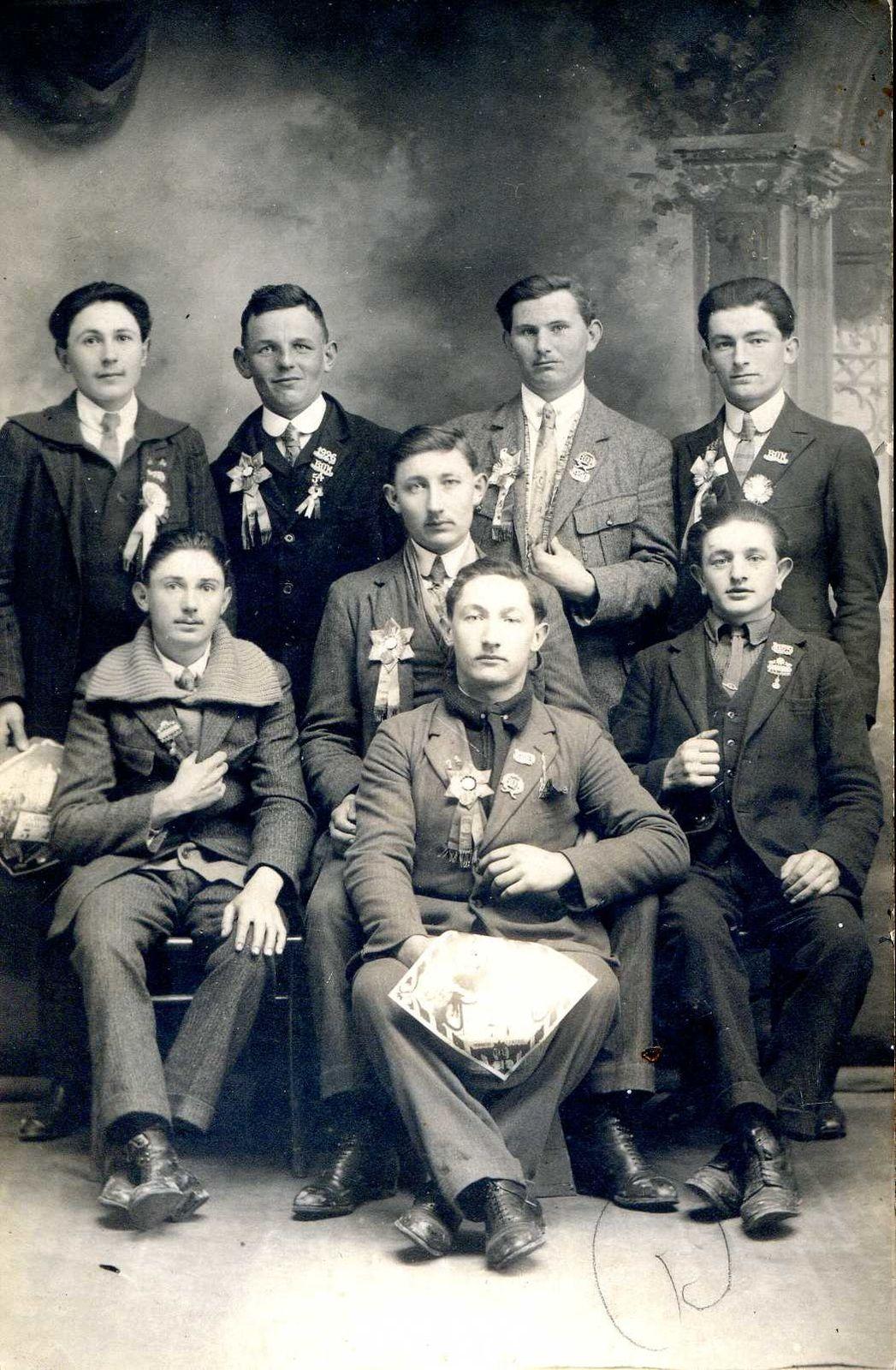Album - le village de Suzoy (Oise), au fil des mois au cours des années 1800 et 1900