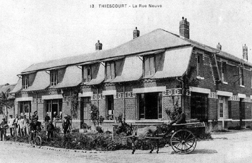 Album - le village de Thiescourt (Oise), l'église, les rues et routes