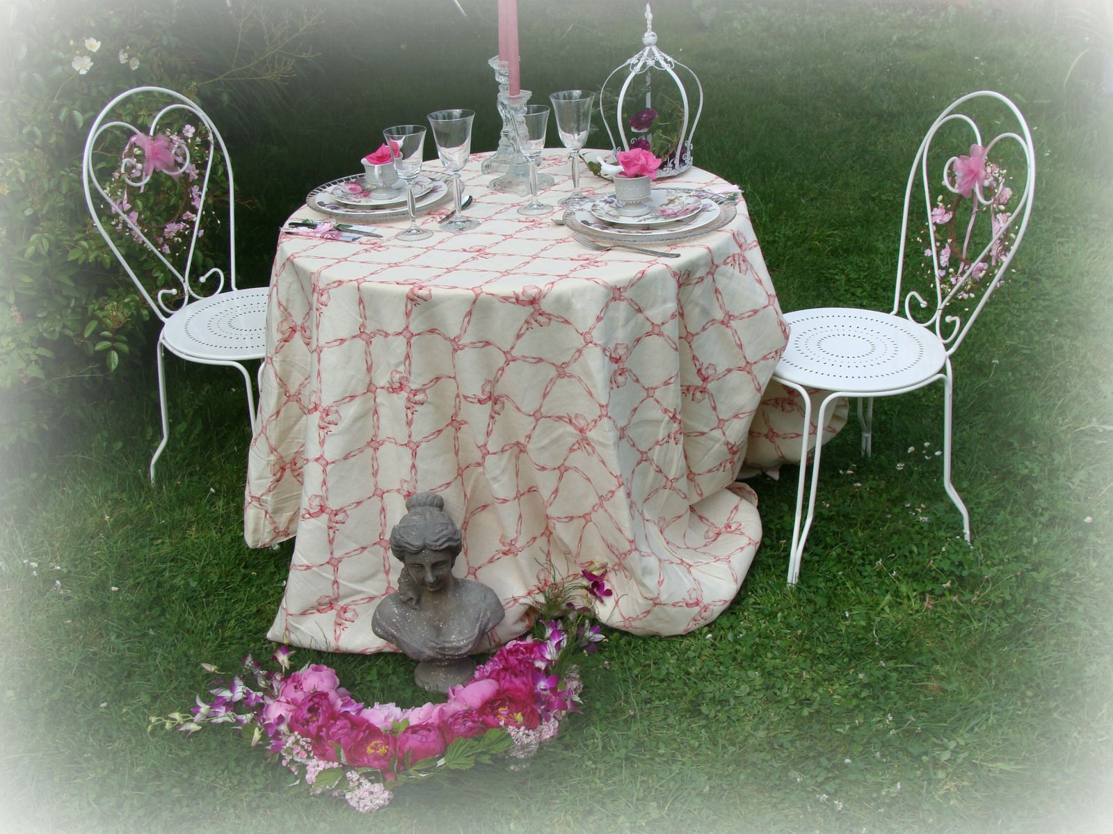 Table romantique au jardin le blog de escargotine for Table romantique