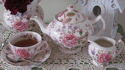 Rose-chintz-teapot.jpg