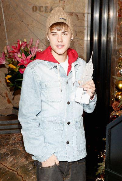 Justin-Bieber-Justin-Bieber-Lights-Empire-U79S-w5d7YTl.jpg