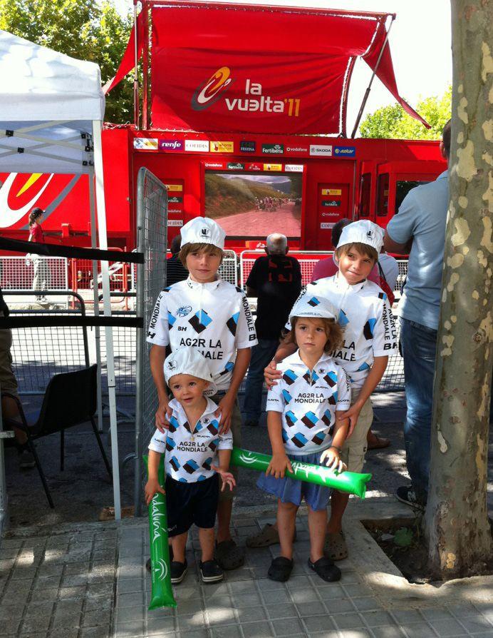 Vuelta-2011-les-4-enfants.jpg