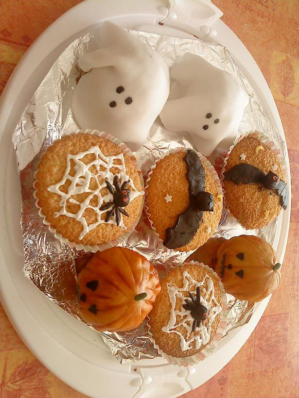 muffins et cupcakes d'halloween - Page 4 DSC01100