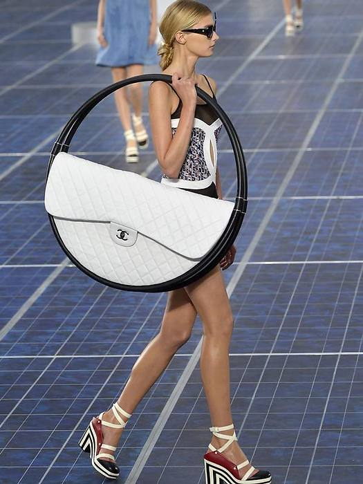 chanel-sac-hula-up-prototype.png