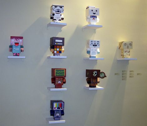 2 Art 4 TV, exposition design and papertoys