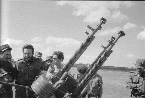 fidel-con-las-defensa-antiaereas-580x391.jpg