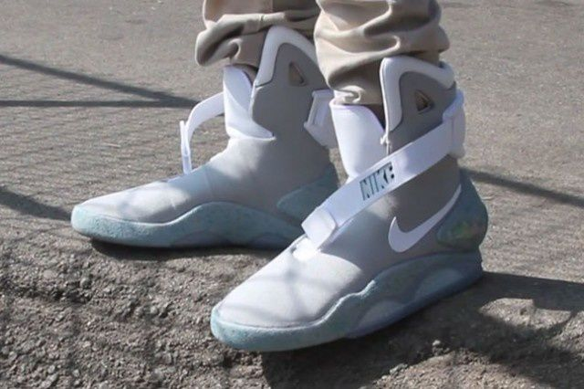 nike air mag mcfly prix pop. Black Bedroom Furniture Sets. Home Design Ideas