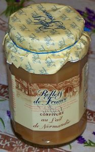 pot-de-confiture-d-elait.jpg