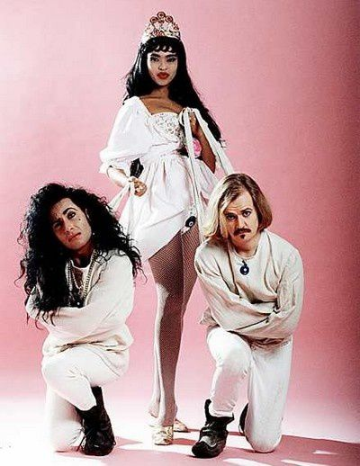 army of lovers carry my urn to ukraine