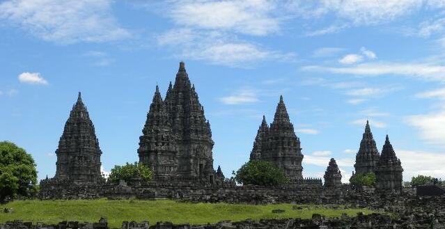 Borobudur Prambanan 80