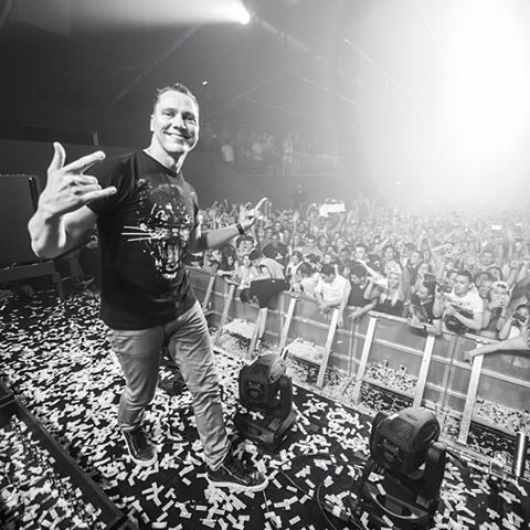 Tiesto-Ne-City-Gas-12-july-2013.jpg