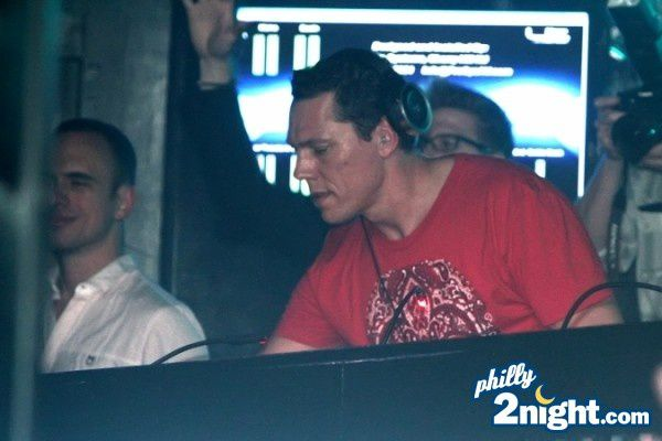 Tiësto at Lit ultrabar Philadelphia 13 april 2012 (1)