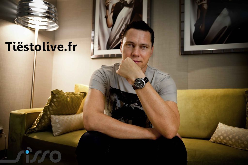 Tiesto before showcase Paris 06 september 2012 (1)
