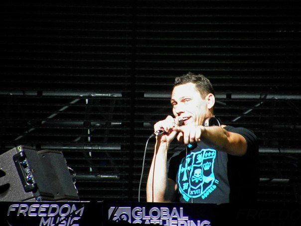 Tiësto global Gathering 30 june 2012 (1)