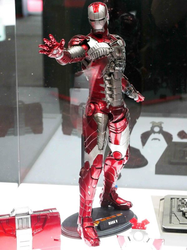 hot-toys-iron-man-mark-5-11