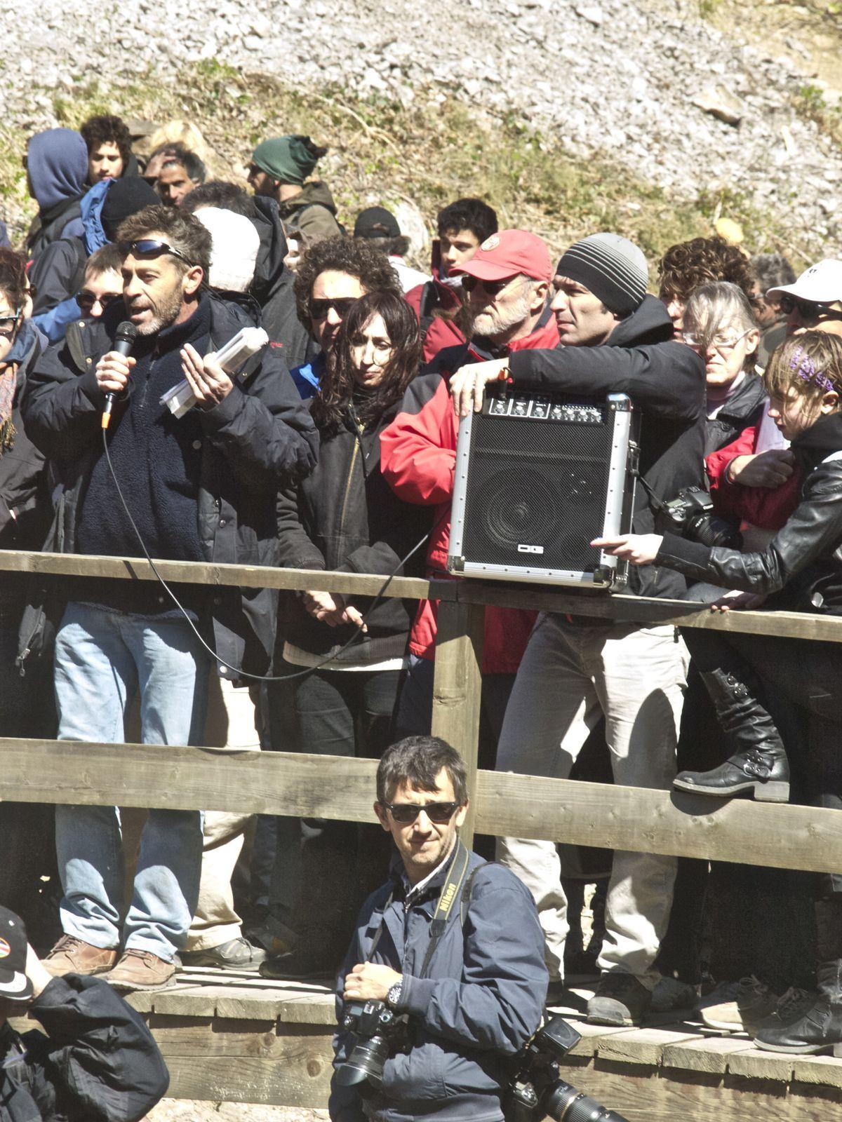 Alcuni scatti della manifestazione contro lo scempio in Val Rosandra