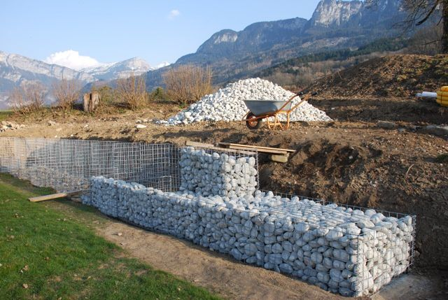 mur de sout nement gabions en pierre de chamonix. Black Bedroom Furniture Sets. Home Design Ideas