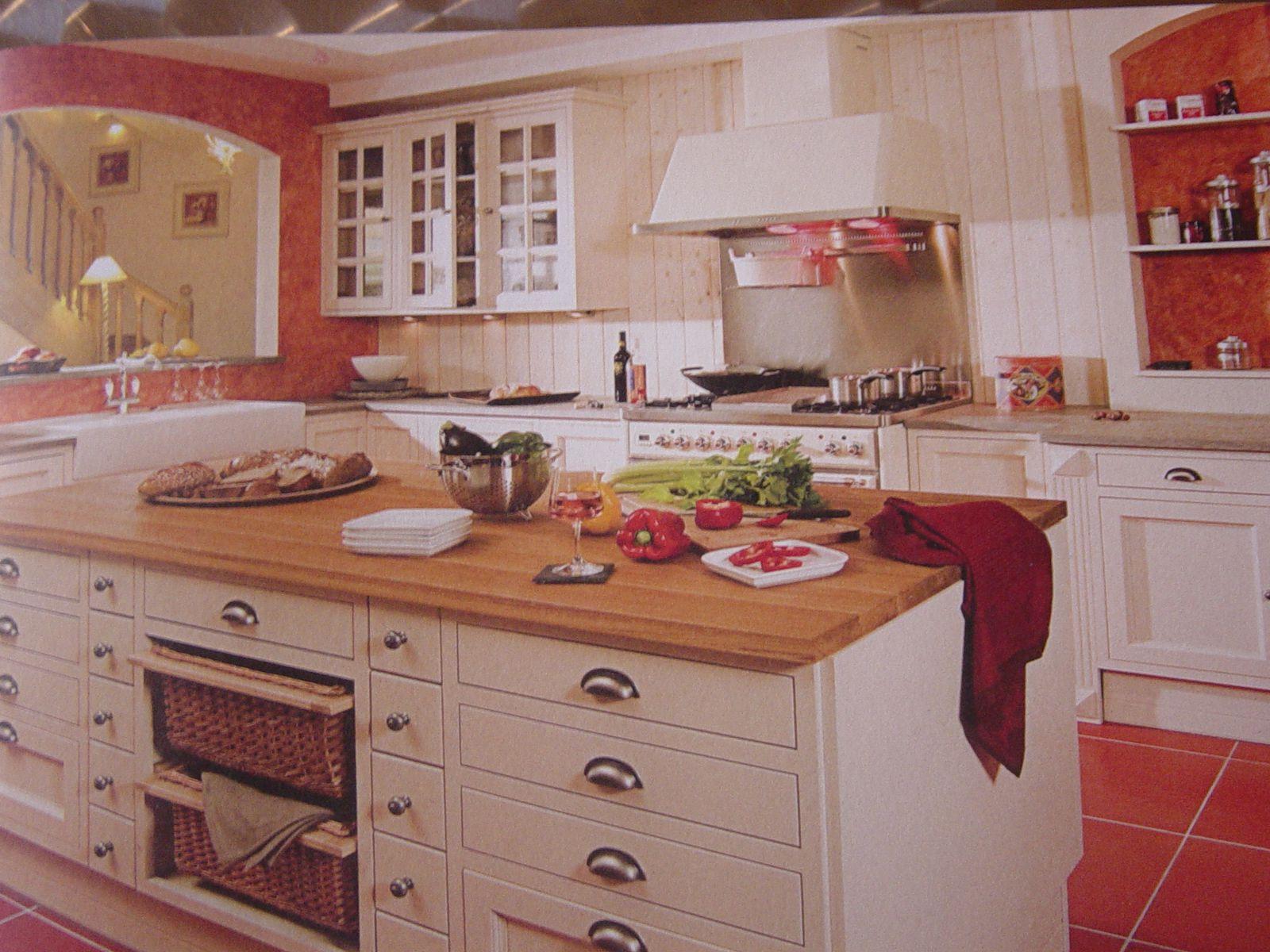 cuisine traditionnelle porte a cadre affleurant cuisines. Black Bedroom Furniture Sets. Home Design Ideas