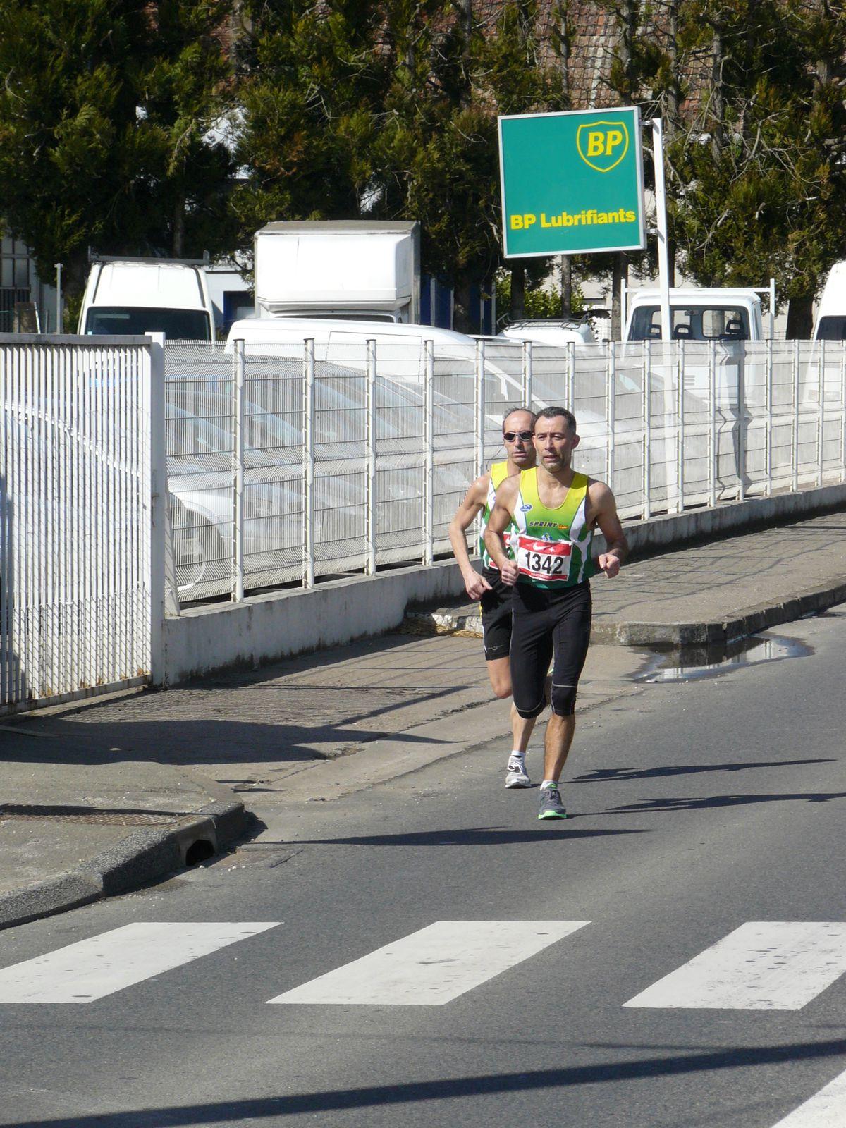 Album - Boucles-de-la-Saone-2010-10-Km----Km-1-Depart-10-Km
