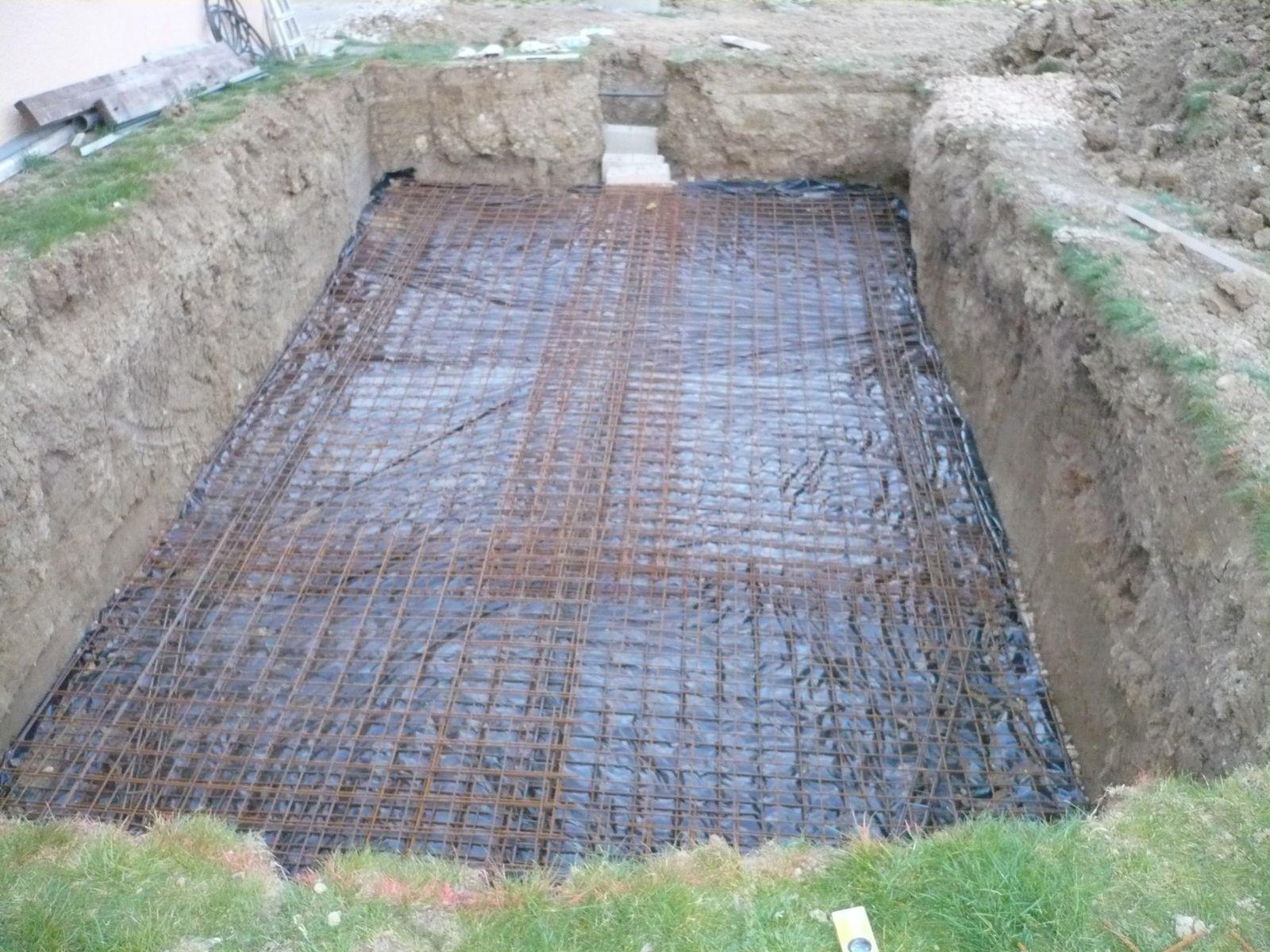 Pose du treillis soud construction piscine for Construction piscine originale