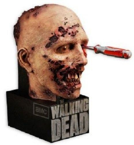 edition-collector-de-la-saison-2-de-The-Walking-Dead--.jpg
