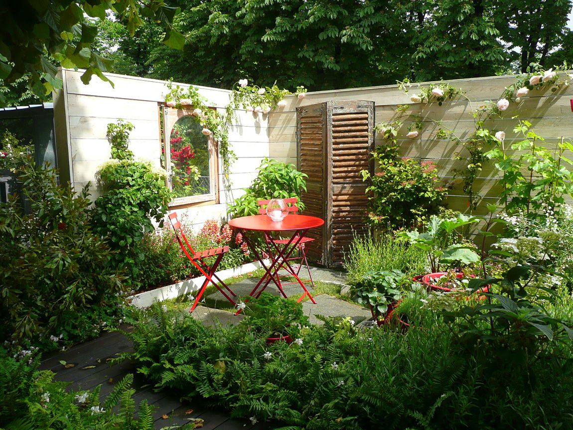 Amenagement petit jardin avec terrasse photos de for Amenagement jardin 74