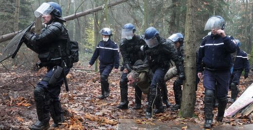 blog+-NDDL-repression+policiere nov2012