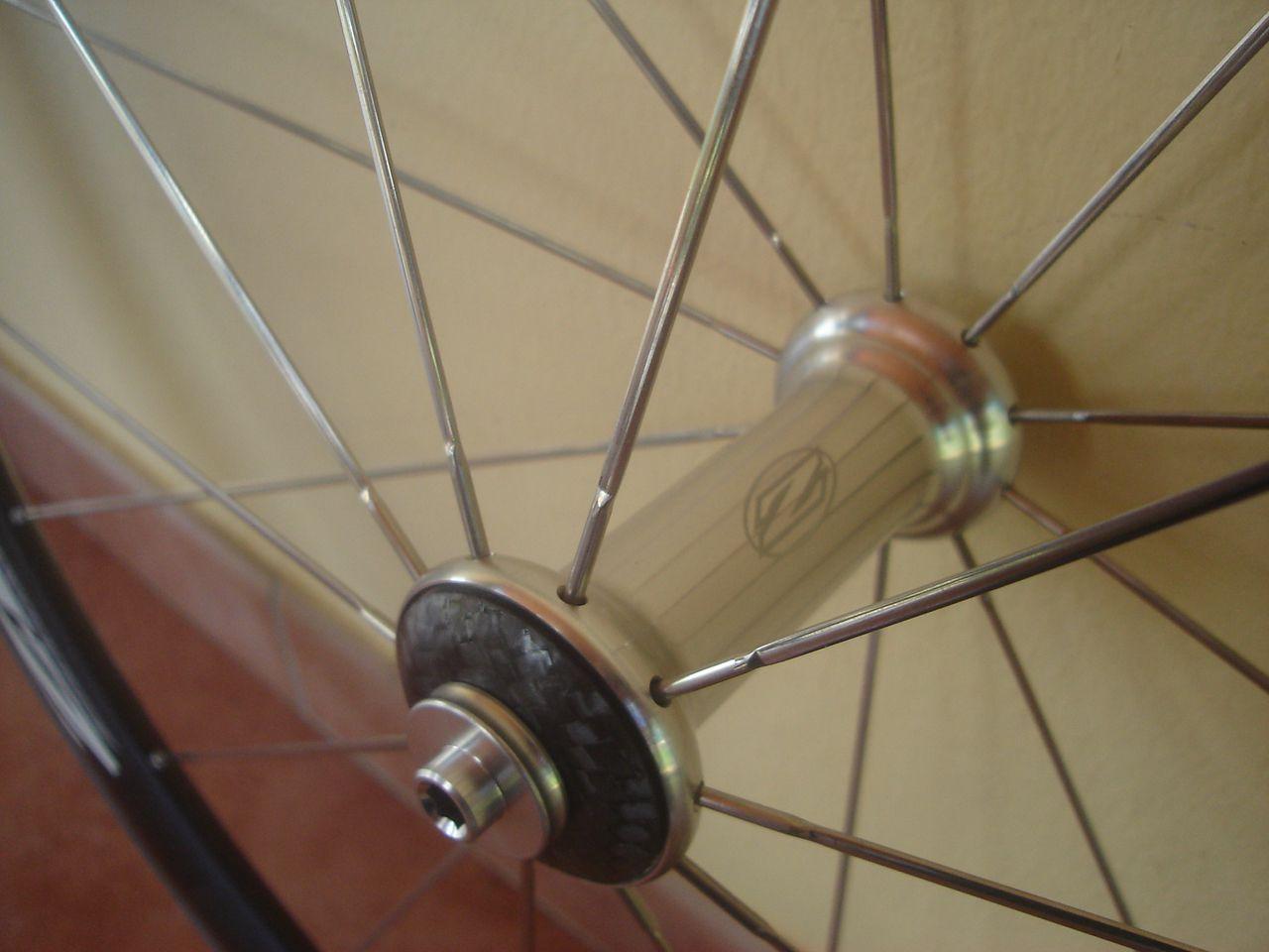 roues zipp 202 boyaux